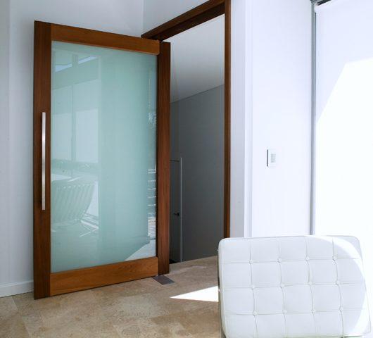 Cách lắp bản lề sàn cho cửa gỗ