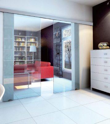 cửa kính lùa ngăn phòng khách và phòng ngủ